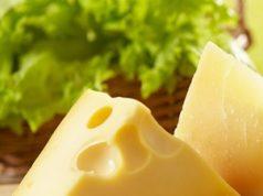 Fatia grande de queijo