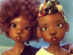 Rostos de duas bonecas